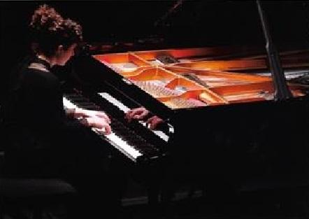 ALAITZ ARTOLA ORMAZABAL AMEZKETARRAREN PIANO KONTZERTUA KULTUR ETXEAN